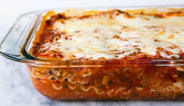 Man Calls 911 About Lasagna